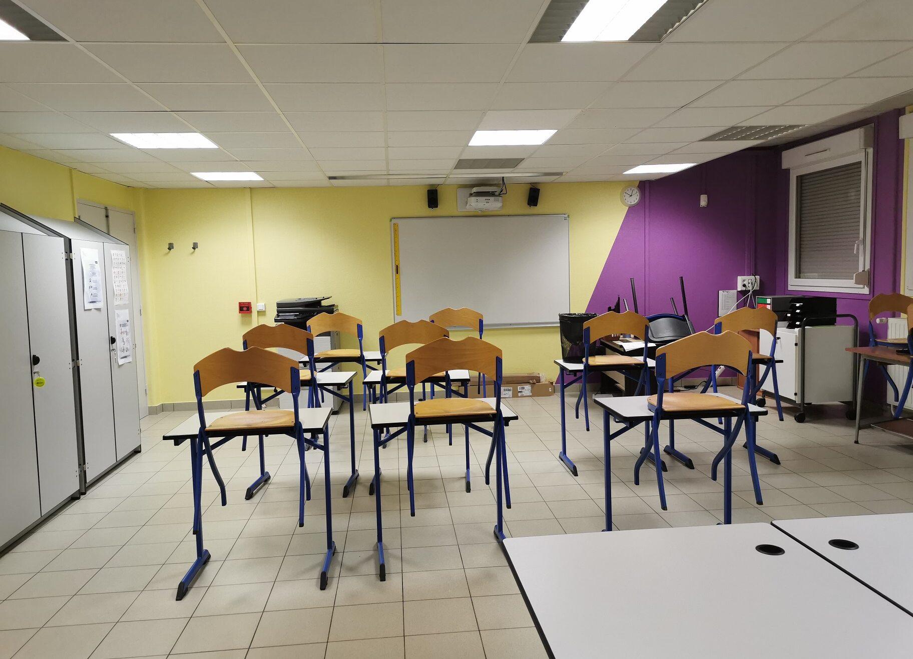 Classe repeinte par les élèves de l'ULIS en 2020-2021